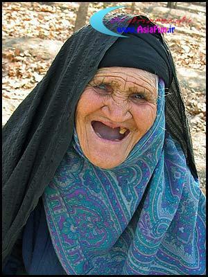 پیرزن بی دندان وراننده اتوبوس (ضد حال)