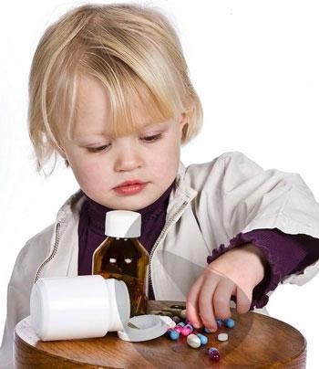اقدامات هنگام مسمومیت کودک
